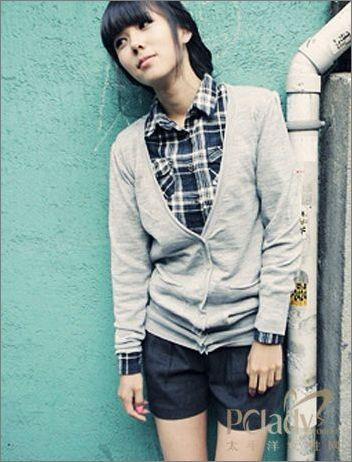 韩国OL最爱灰色外套 低调时尚正在流行